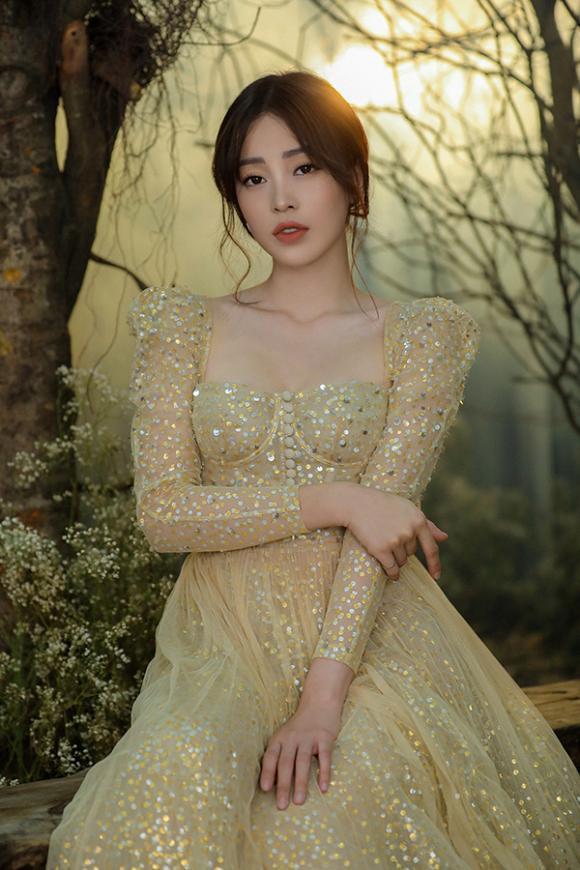 hoa hậu Trần Tiểu Vy, á hậu Phương Nga, á hậu Thuý An, sao Việt