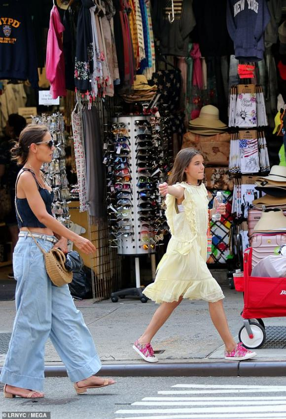 suri cruise, con gái tom cruise, sao hollywood