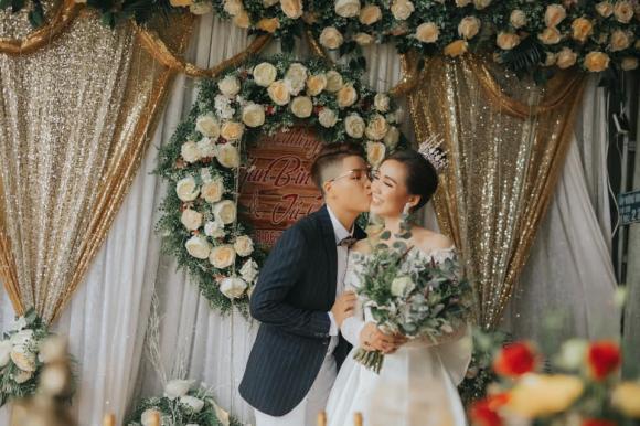đạo diễn Yunbin và ca sĩ Tú Tri, Yunbin và Tú Tri, đám cưới Yunbin và Tú Tri, đám cưới đồng giới