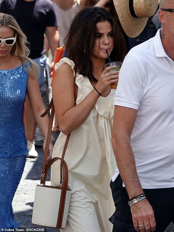 Selena Gomez, sao Hollywood, Selena Gomez sinh nhật 27 tuổi