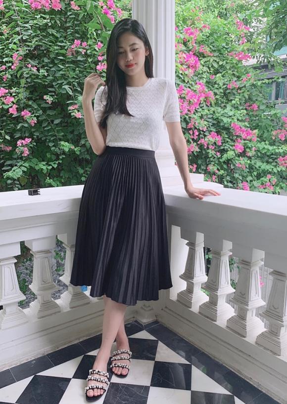 Á hậu Thanh Tú, Á hậu Thanh Tú diện áo tắm, Thanh Tú sau sinh, cuộc sống của Thanh Tú