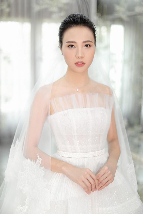 đàm thu trang, NTK Chung Thanh Phong, sao Việt