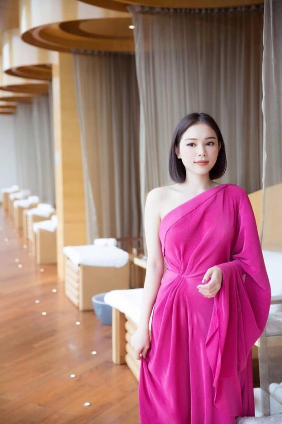 Linh Rin, hot girl Linh Rin, em chồng Hà Tăng, Phillip Nguyễn