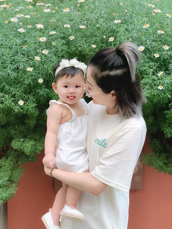 cháu gái Quang Vinh, em gái Quang Vinh, Quang Vinh, Quang Vinh và cháu gái, gia đình Quang Vinh