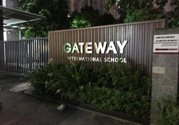 học sinh trường Gateway tử vong, Gateway, bé trai 6 tuổi tử vong, bé trai bị bỏ quên trên xe đưa đón