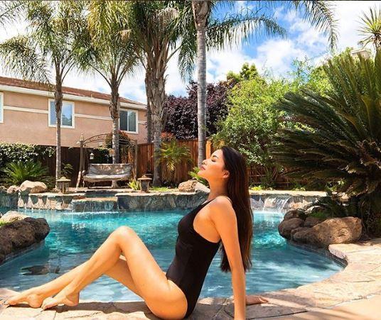 Hoa hậu Phạm Hương, Hoa hậu Phạm Hương diện bikini, Phạm Hương bikini, Phạm Hương ở Mỹ