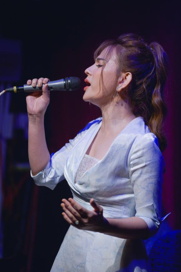 ca sĩ Thu Thuỷ, ca sĩ Ưng Hoàng Phúc, sao Việt