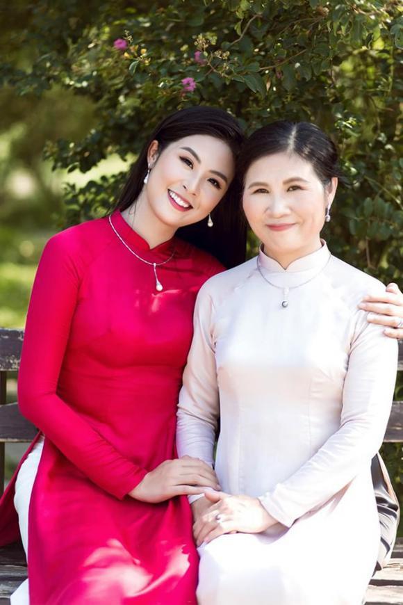 hoa hậu Ngọc Hân, mẹ hoa hậu ngọc hân, sao Việt