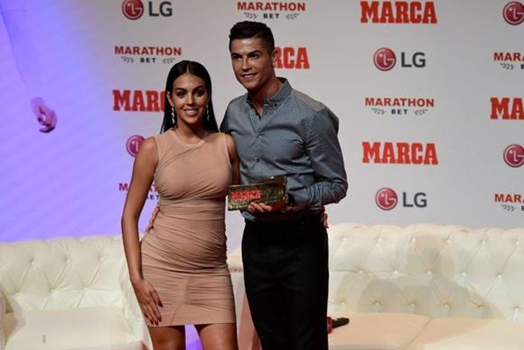 Ronaldo, bạn gái Ronaldo, CR7