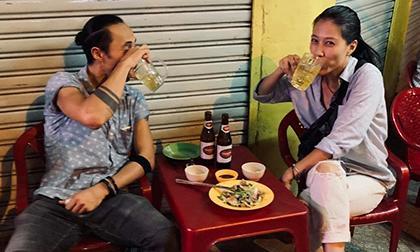 xe chở bia, xe chở bia bị lật, Thanh Hóa, xe tải đâm nhà dân