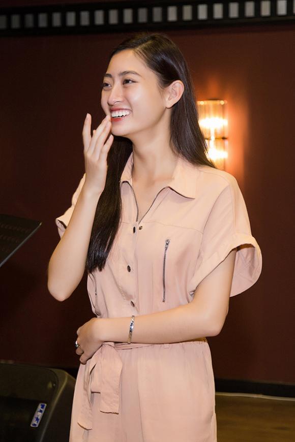 Trần Tiểu Vy,  Lương Thuỳ Linh, sao Việt