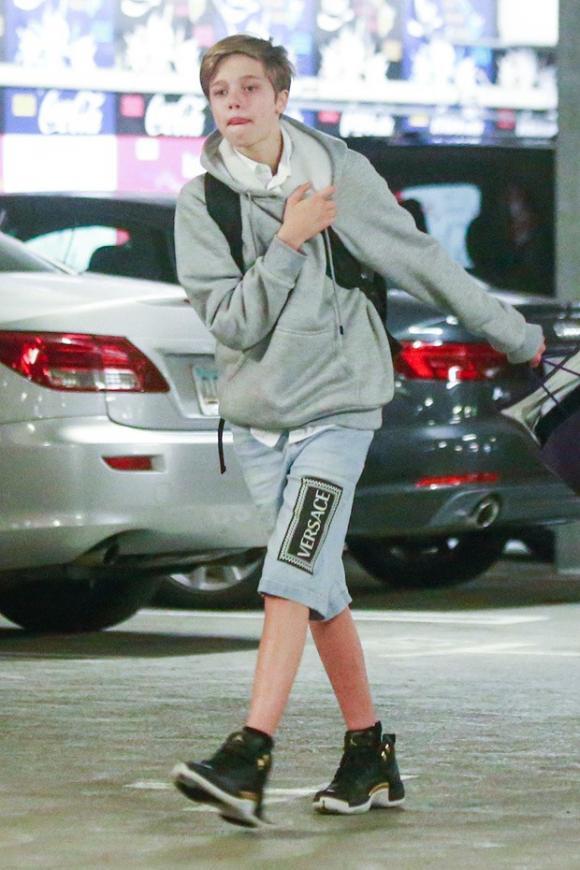Shiloh Jolie Pitt, con gái của angelina jolie, sao hollywood