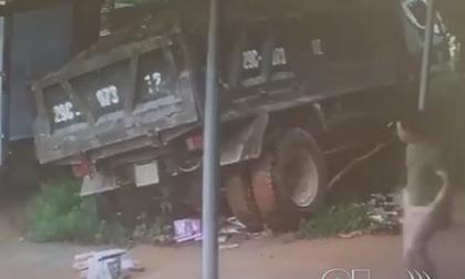 tai nạn giao thông, xe tải, ô tô con