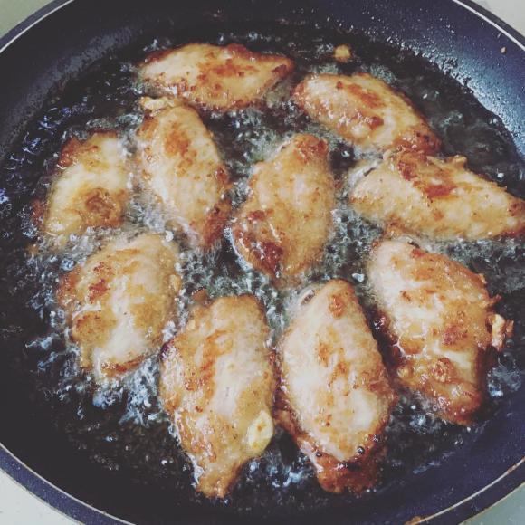 chiên gà, rán gà, món rán, không cháy, mẹo nấu ăn