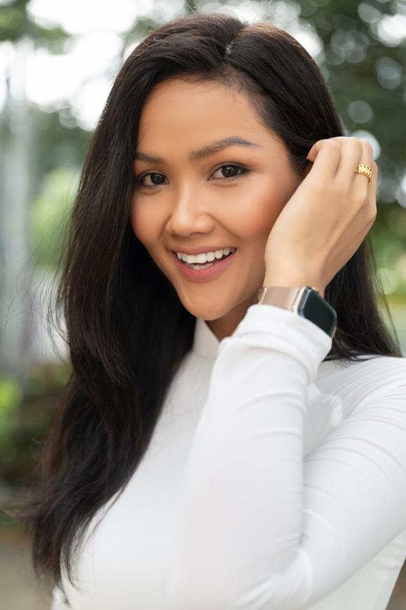 H'Hen Niê, Hoa hậu hoan vu