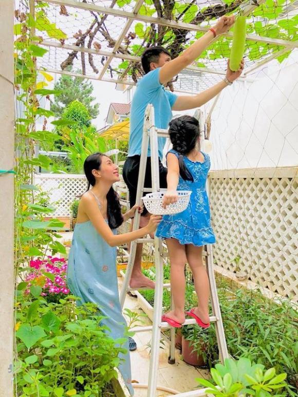Thủy Tiên, Công Vinh, con gái Thủy Tiên, sao Việt