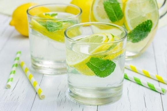 Nước ấm, Thời điểm tốt nhất uống nước ấm, Bảo vệ sức khỏe