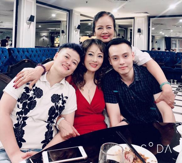 Bằng Kiều, chị gái Bằng Kiều, gia đình Bằng Kiều, Bằng Kiều và chị gái