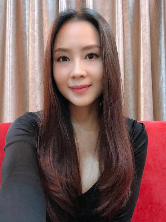 Hồng Diễm, Hoa hồng trên ngực trái, sao Việt
