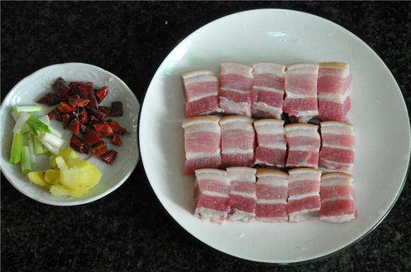 Thịt om bắp cải: Món ăn không ngấy lại rất đưa cơm