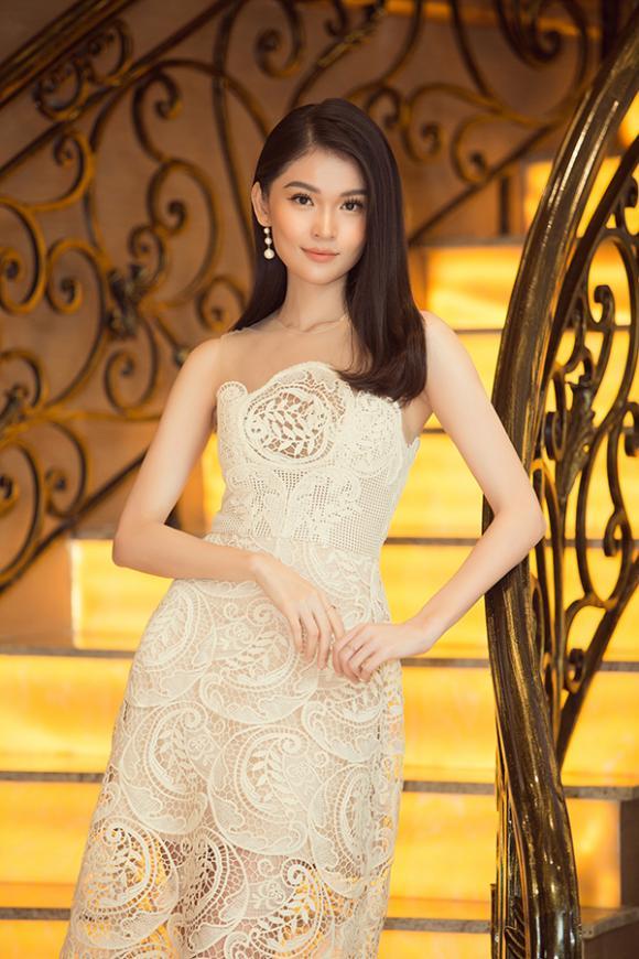 Hoa hậu Lương Thuỳ Linh, á hậu Kiều Loan, sao Việt
