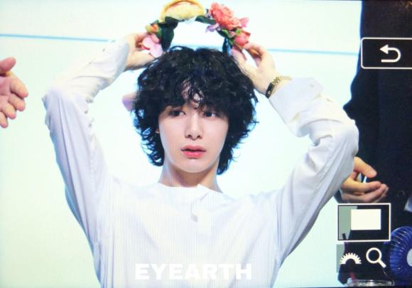 Jungkook, Yuta, Hyungwon, sao hàn