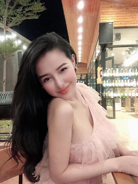 Ngân 98, hot girl, tình cũ của Lương Bằng Quang,