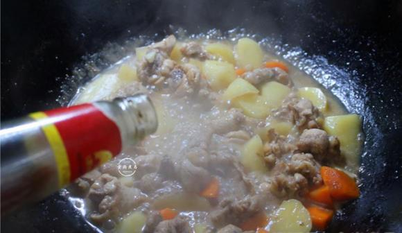 Gà hầm khoai tây, cà rốt: Thực đơn hấp dẫn cho người giảm cân