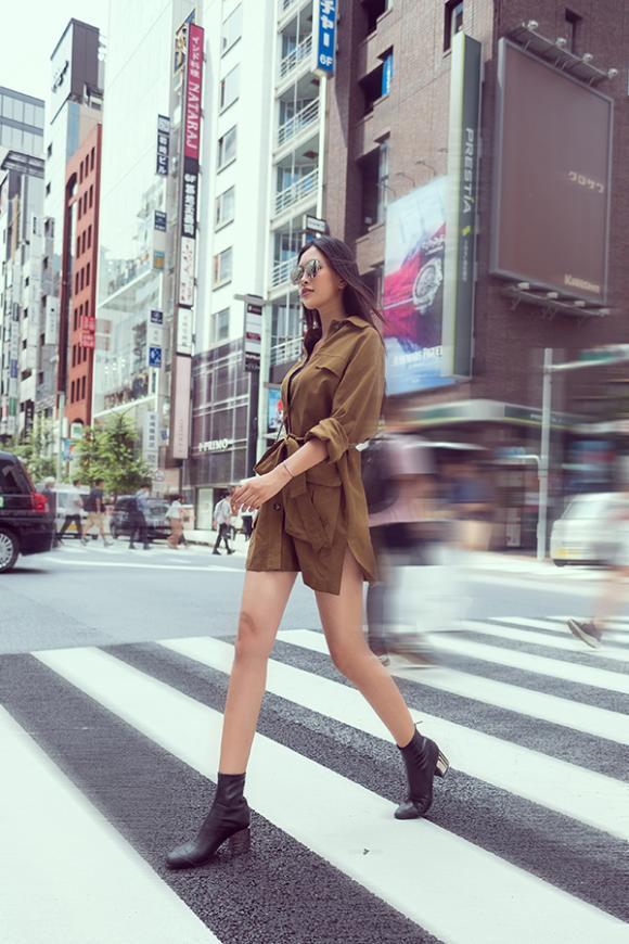 street style Tiểu Vy,Hoa hậu Tiểu Vy,Miss World 2019,sao Việt