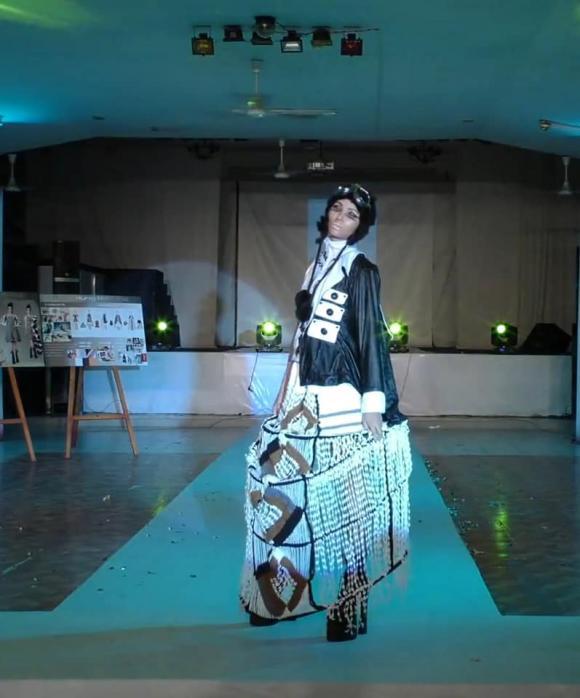 Lộ hình ảnh hiếm hoi của Hoa hậu H'Hen Niê khi chỉ là người mẫu vô danh trên sàn catwalk