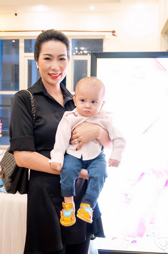 Hoa hậu Thân Thiện Bích Thoại, Nguyễn Trần Minh Triết, Trần Kim Bích Thoại