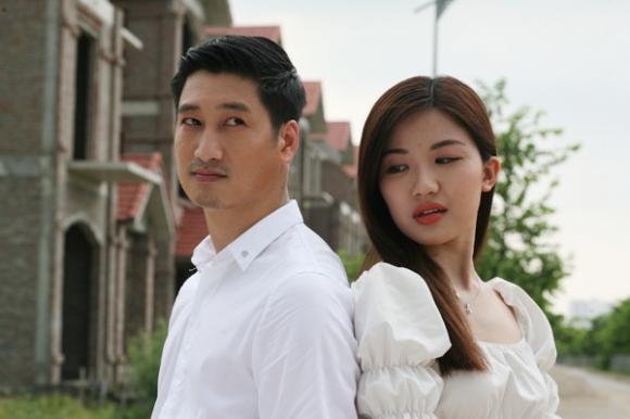 Nhan sắc người vợ xinh đẹp của nam diễn viên bị ghét nhất phim 'Hoa hồng trên ngực trái'