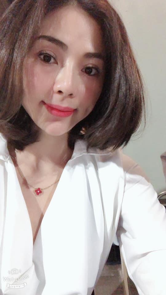 Ngọc Quỳnh, Hoa hồng trên ngực trái