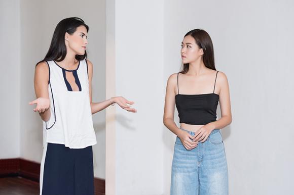 Hoa hậu Quốc tế tận tình hướng dẫn catwalk cho Á hậu Tường San