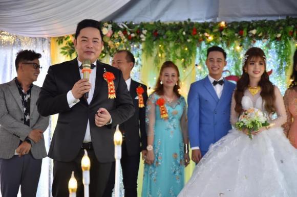 Quang Lê đi cưới vợ cho con trai, trả lời câu hỏi: 'Sao ba không cưới vợ cho ba'