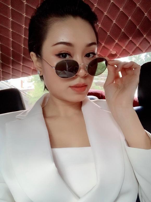 ca sĩ Minh Thư, cháu gái Lam Trường, đạo diễn Quang Dũng
