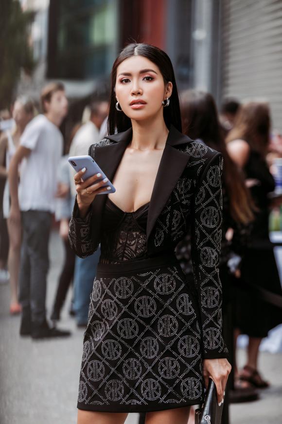 siêu mẫu Minh Tú, NTK Công Trí, sao Việt