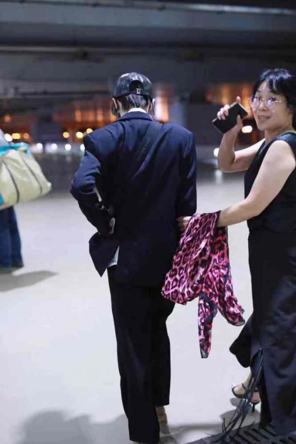 trương hinh dư, phạm băng băng, thời trang sân bay, sao hoa ngữ