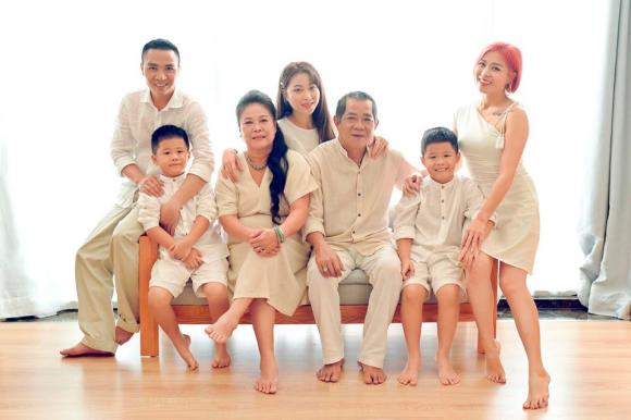BTV Nguyễn Hoàng Linh, chồng BTV Nguyễn Hoàng Linh , sao Việt
