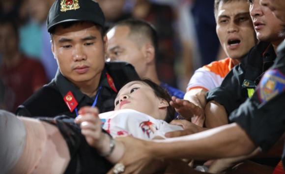 Bắn pháo sáng, Sân hàng đẫy, CĐV Nam Định