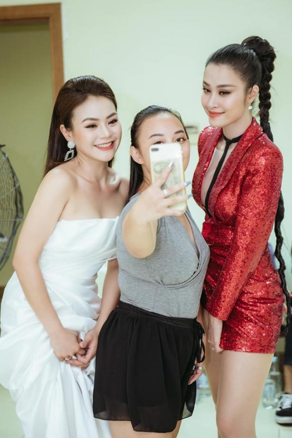 Đông Nhi, Hải Yến idol, sao Việt