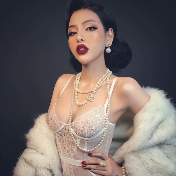 Trần Mai Hương, bán nude tại Hội An, Hội An