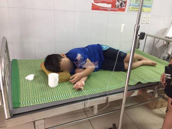 4 cháu nhỏ bị ngộ độc, ngộ độc sau khi uống sữa, tin nóng