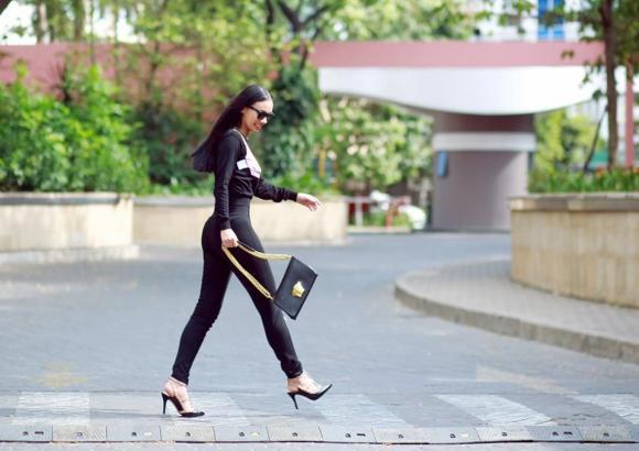 xin việc, thời trang đi xin việc, mc Huyền Ny
