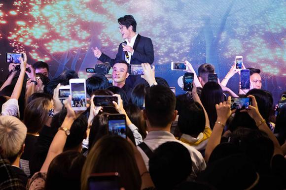 Siêu mẫu Thanh Hằng,ca sĩ hà anh tuấn, sao Việt