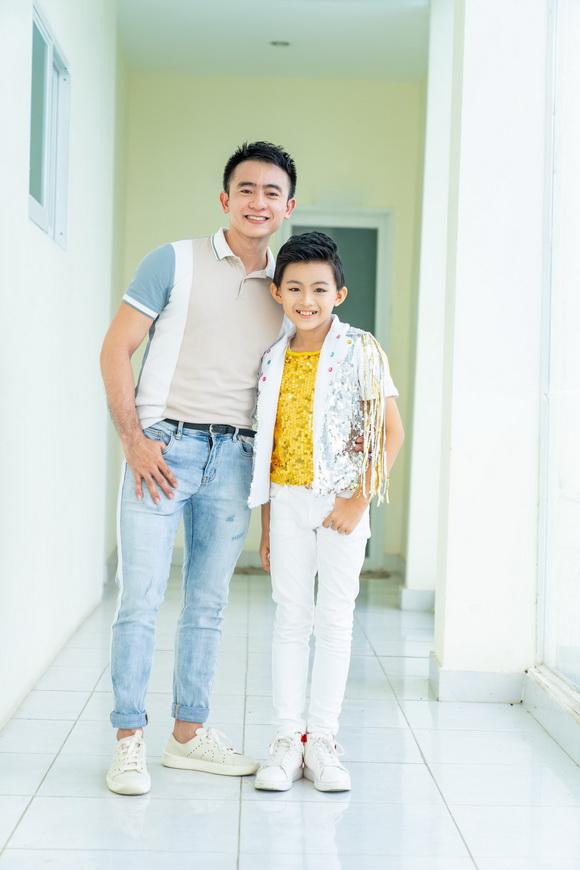 Quốc Vũ, Lê Việt, Bố là số 1