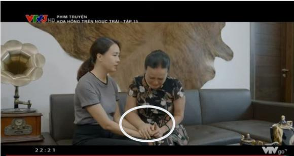 diễn viên Minh Cúc, hoa hồng bên ngực trái sao Việt