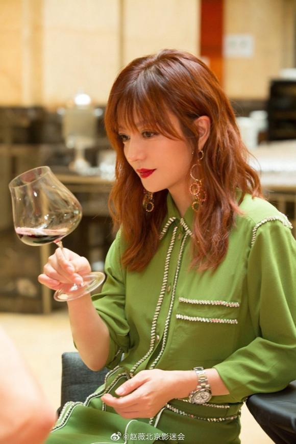 triệu vy, rượu vang đỏ, làm đẹp, sao hoa ngữ