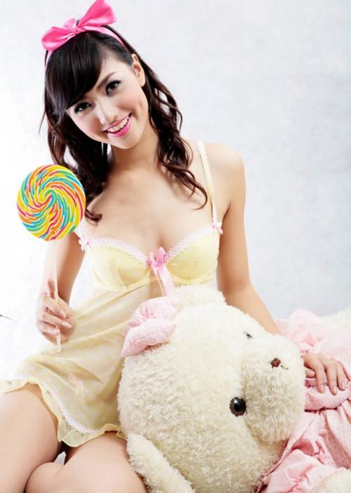 Hồng Quế - Người mẫu nội y tuổi teen