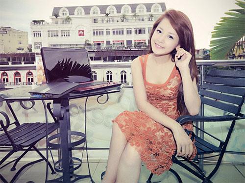 Gu thời trang tinh tế của hot girl Chi Pu